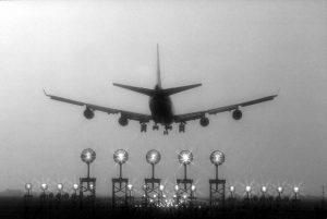 airplane-landing-1486116